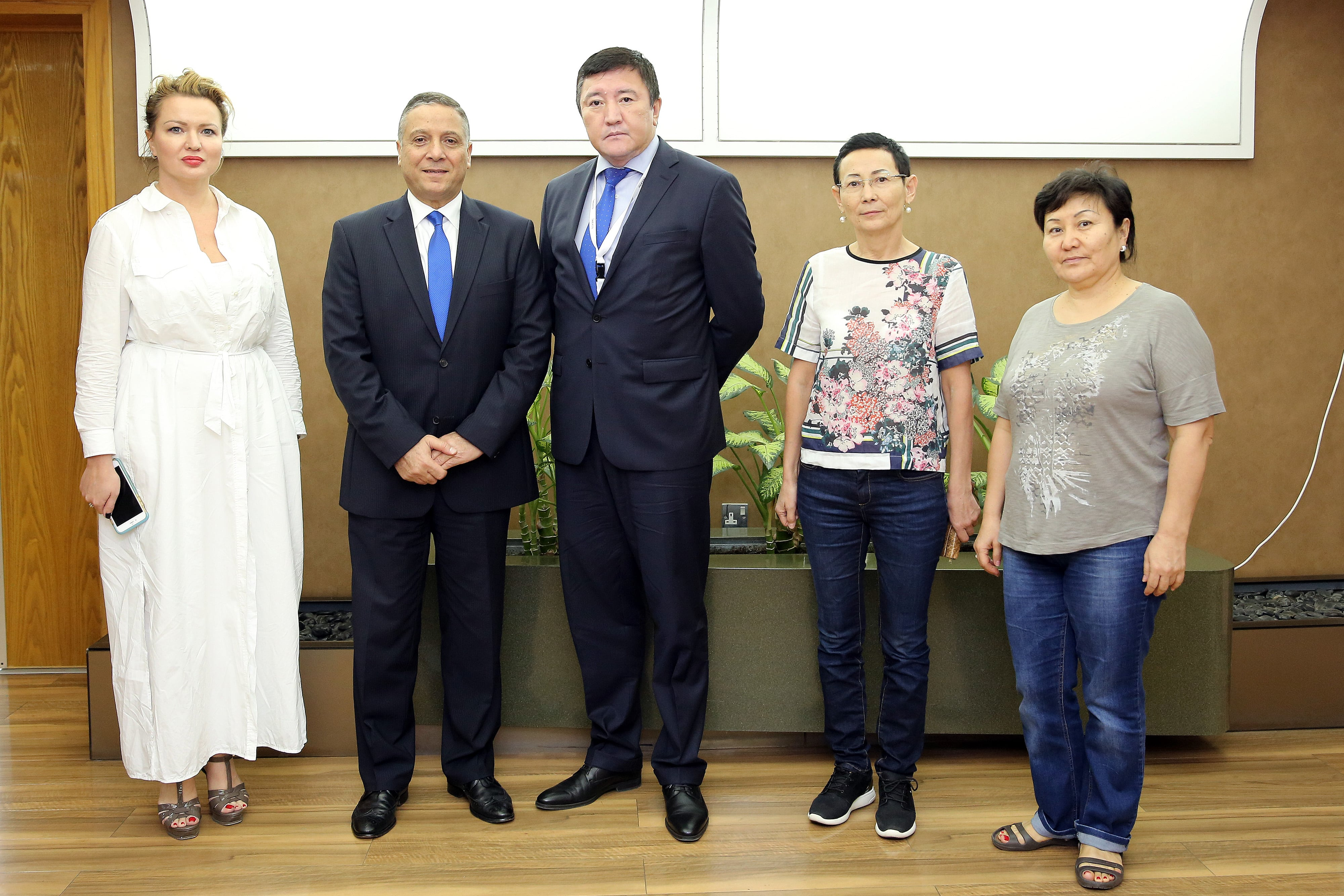 The Counselor of the Embassy of Kazakhstan to the UAE visits Julphar